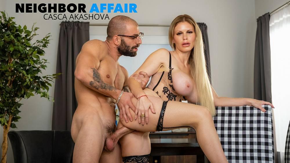 Casca Akashova, Jason Moody – Neighbor Affair – Naughty America