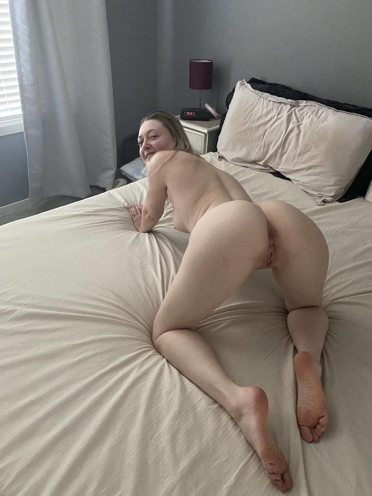 Hottest blonde milf-2908