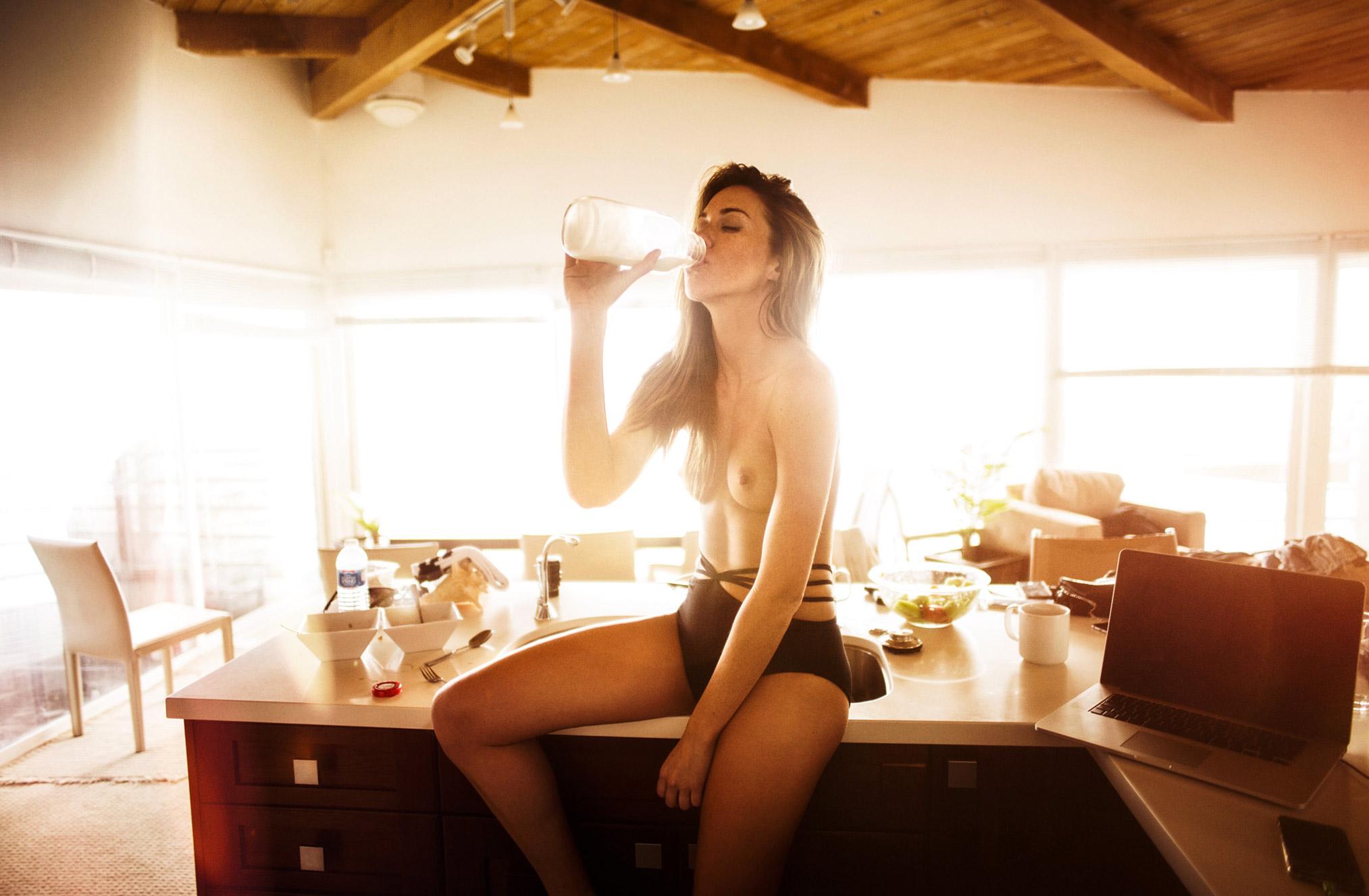 Jessica nude in Malibu by Paul Ripke