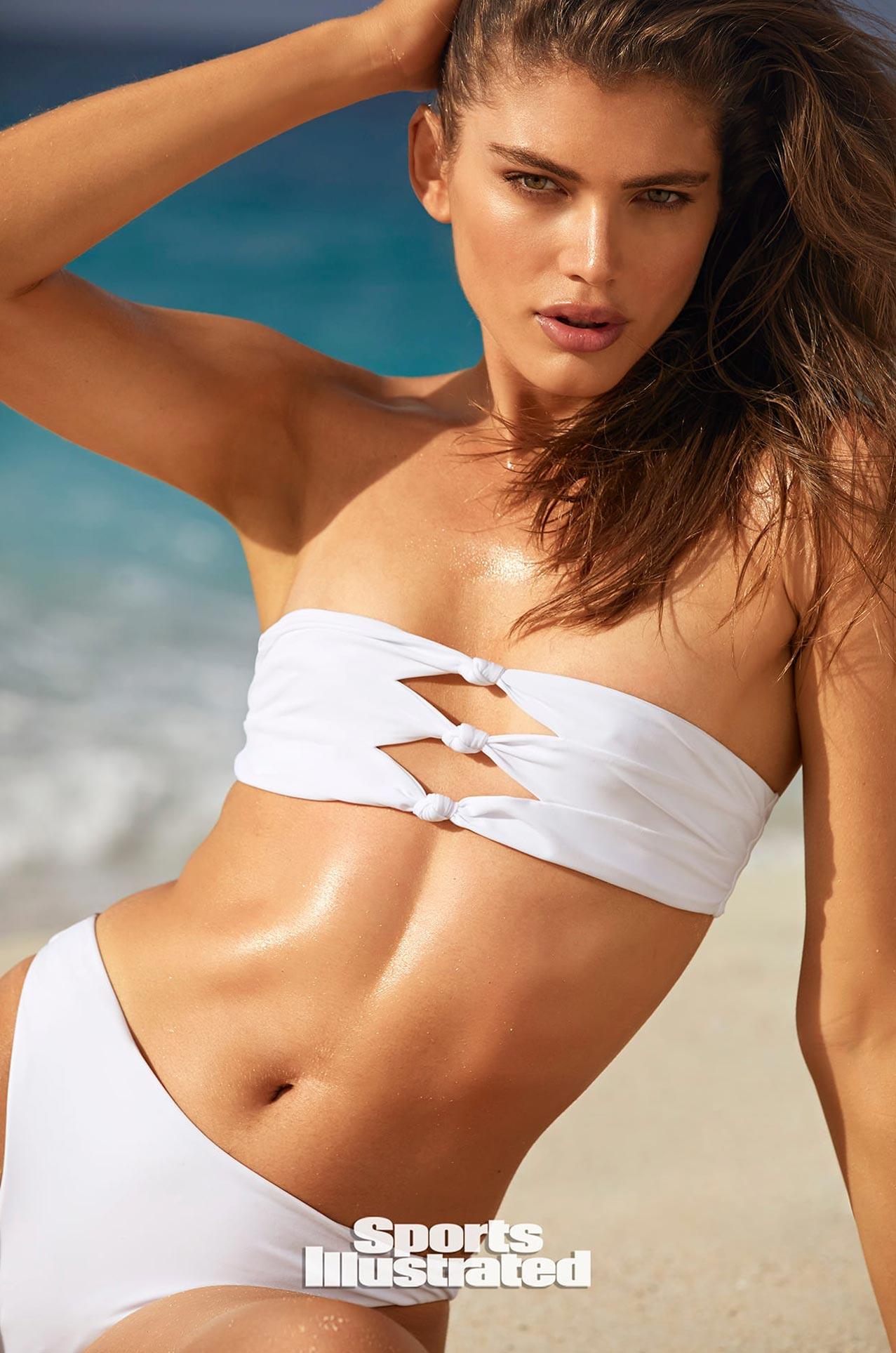 Валентина Сампайо в каталоге купальников Sports Illustrated Swimsuit 2020 / фото 17