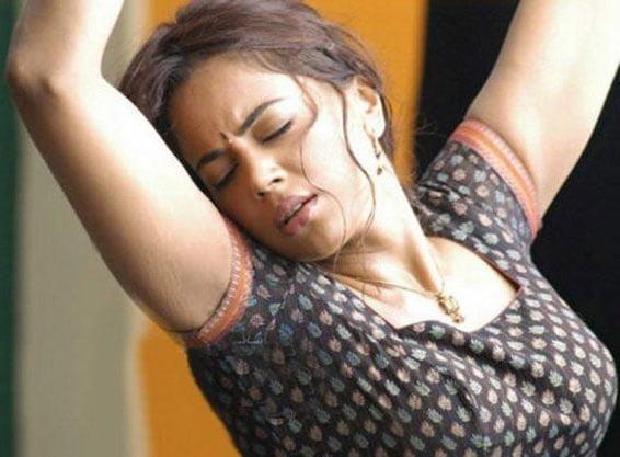 Sameera reddy sexy photos-7625