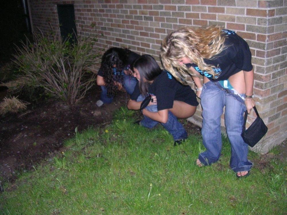 Black girl peeing in public-5615