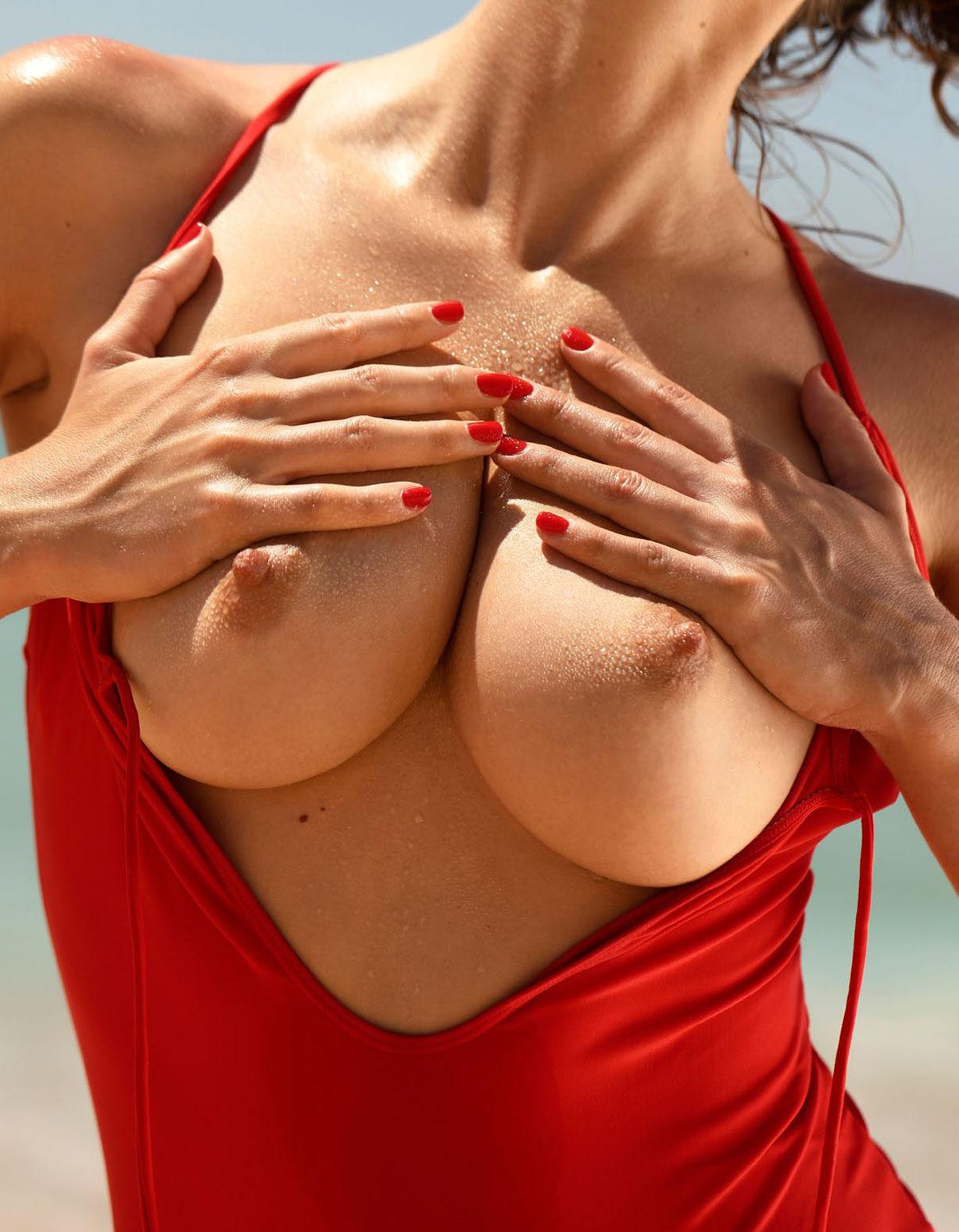 Эмили Агнес в спецвыпуске журнала Playboy -Девушки летом- / фото 04