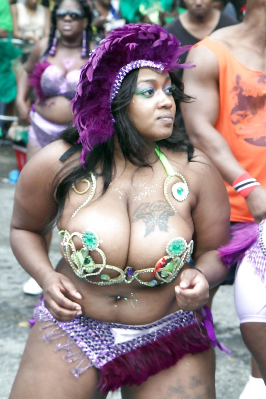 Big tit girls in public-8471