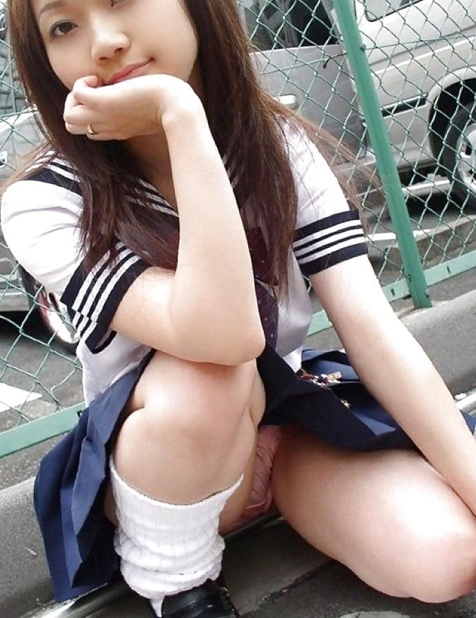 Cute asian schoolgirl-9121