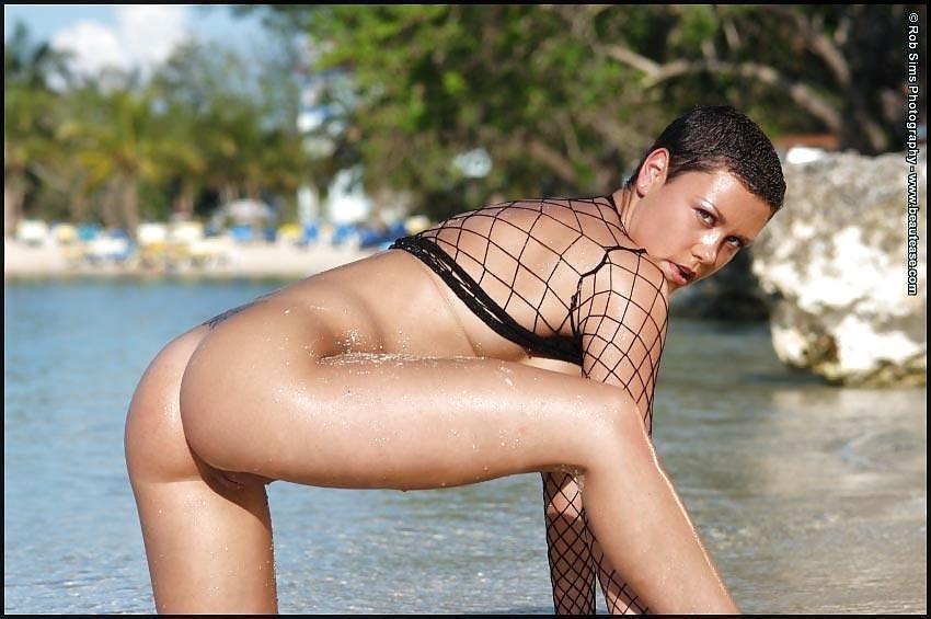 Beautiful fit naked women-2116