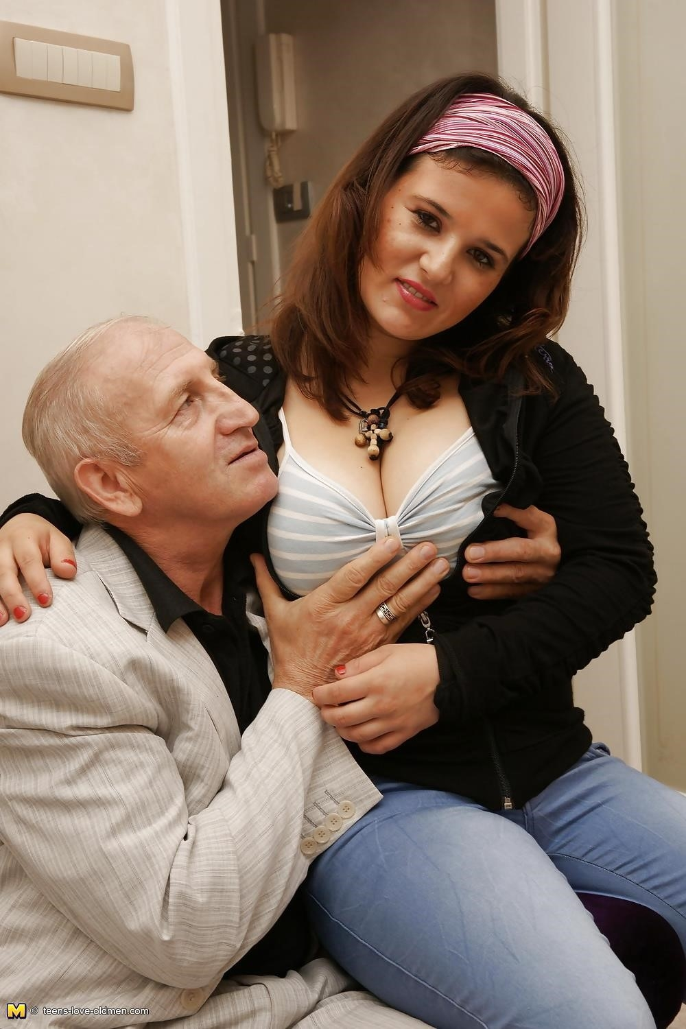 Porn girl and old man-2874