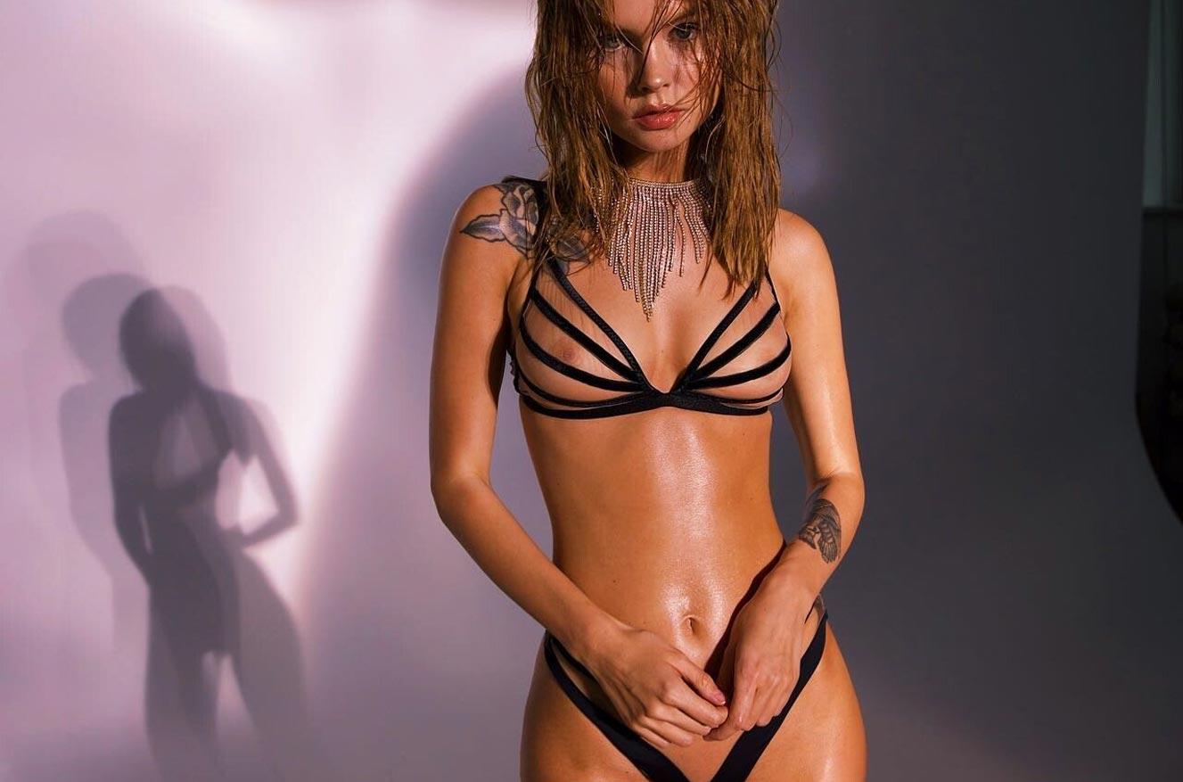 Анастасия Щеглова в сексуальном нижнем белье God Save Queen / фото 08