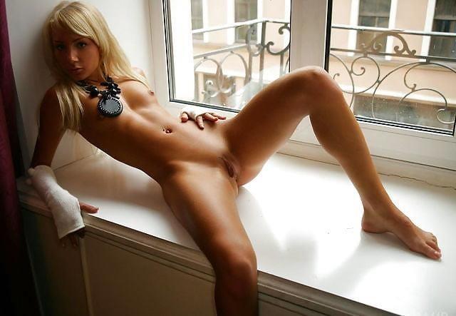 Naked women cunnilingus-9355