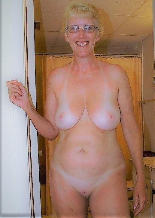 Naked granny porn-7631