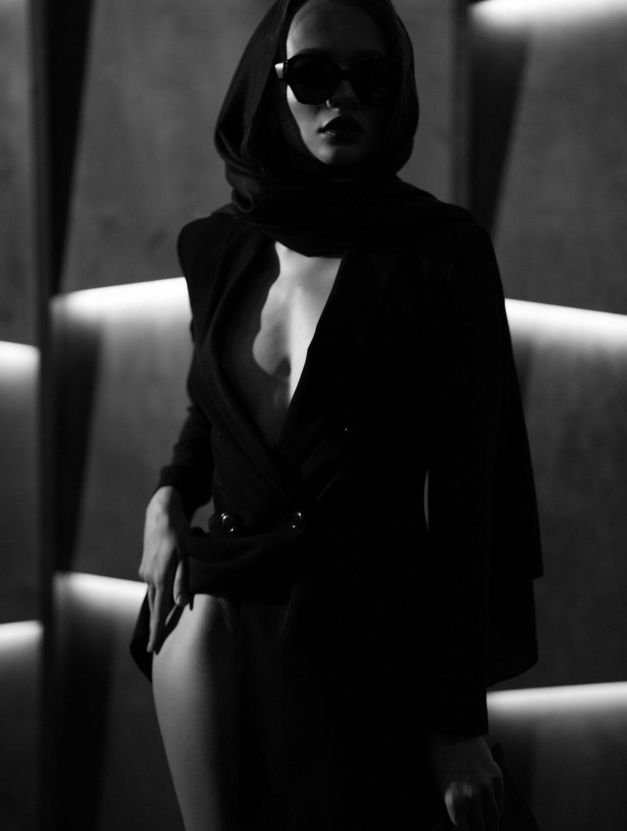 Сексуальный секретный агент во вражеском штабе / фото 08