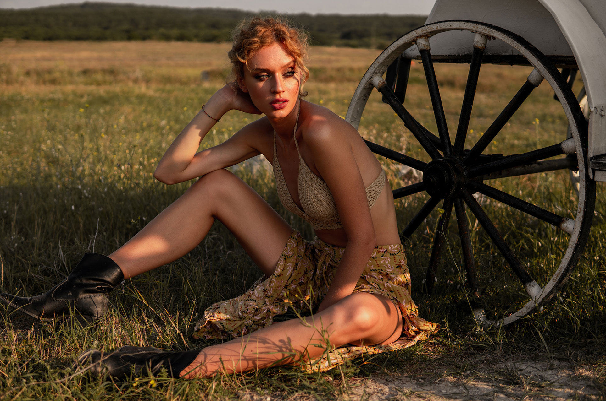 Девушка и лошадь / Даша Степанова в журнале Picton / фото 07