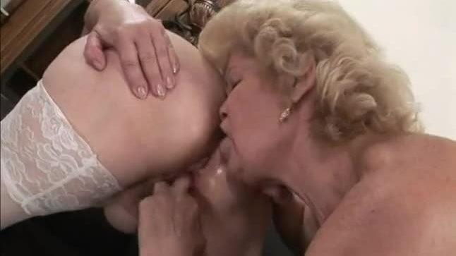 Granny lesbian sex pics-5611