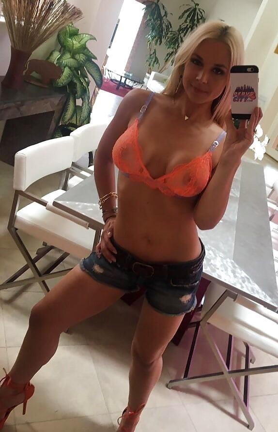 Sarah vandella naked selfie-3489