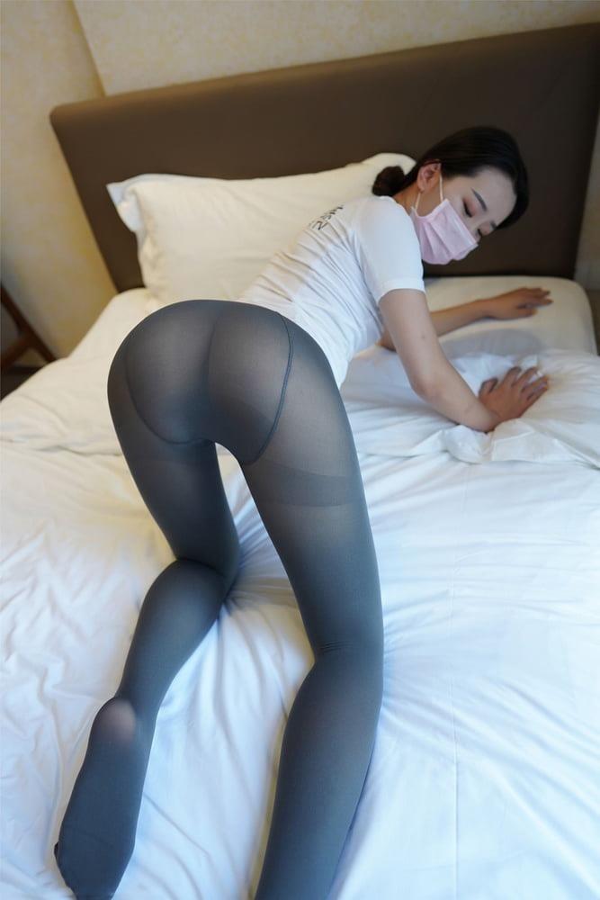 Japanese pantyhose feet-6099
