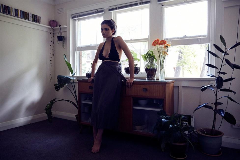 Sunday / Claudia Marrone by Myles Pritchard - Last Daze Magazine