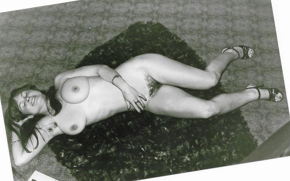 Older nude hairy women-9857