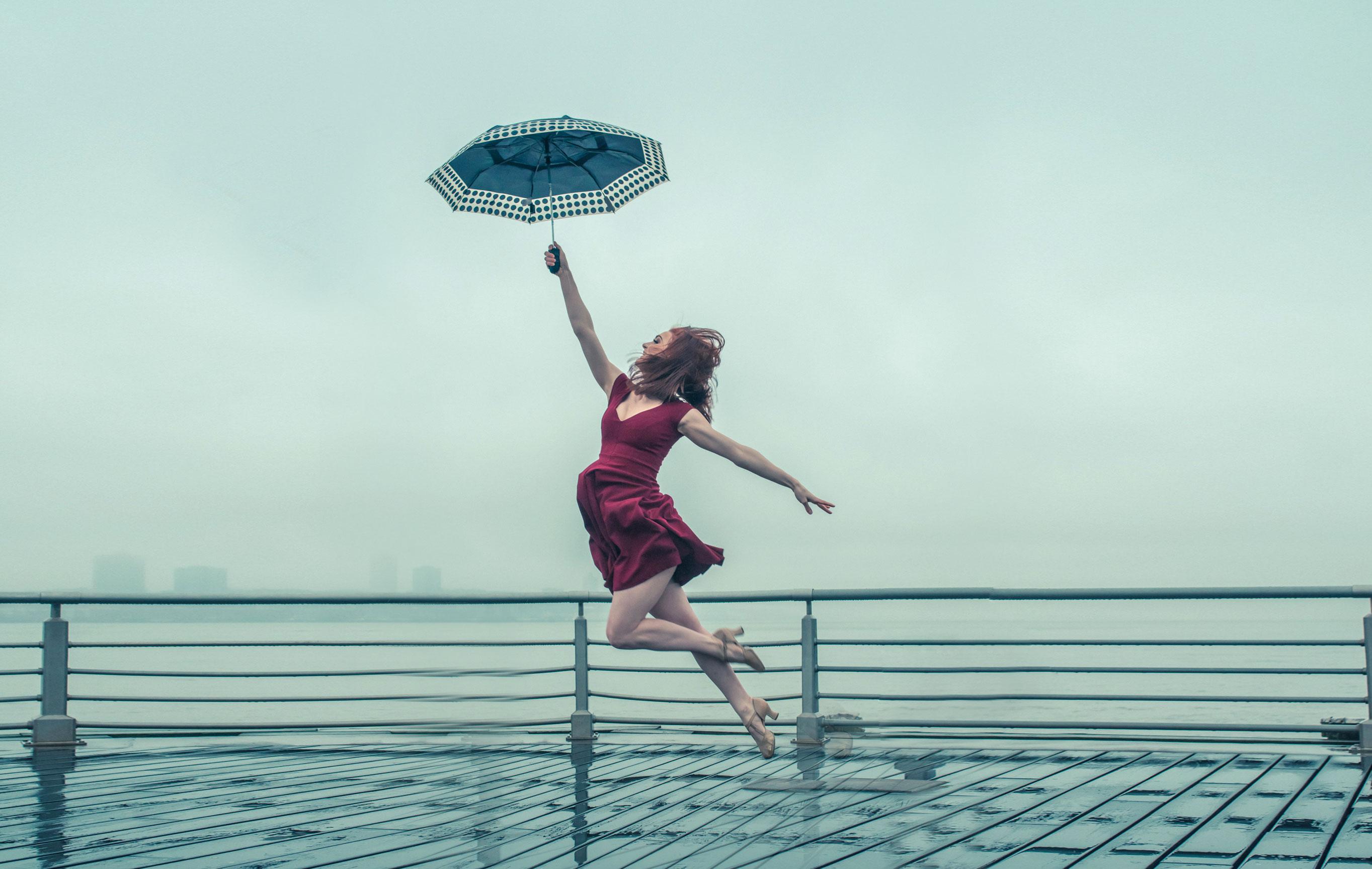 Танцы на дождливых улицах Нью-Йорка / Bailey Callahan by Tim Engle