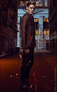 Dominic Sherwood OoFwW2dB_o