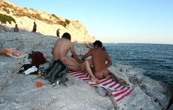Amateur public threesome-3845