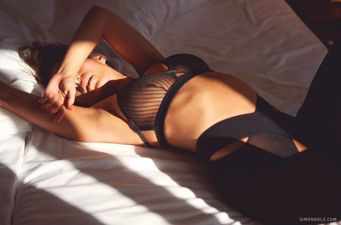 Сильвия Лорем в сексуальном черном нижнем белье / фото 17