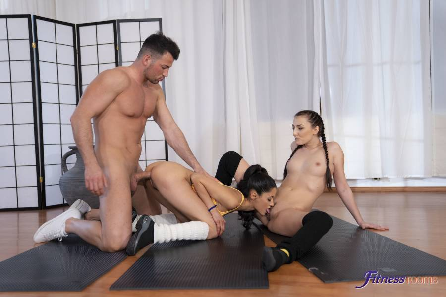 Katy Rose, Scarlet – Intimate Yoga Becomes Hot FFM 3 Way – Fitness Rooms – SexyHub