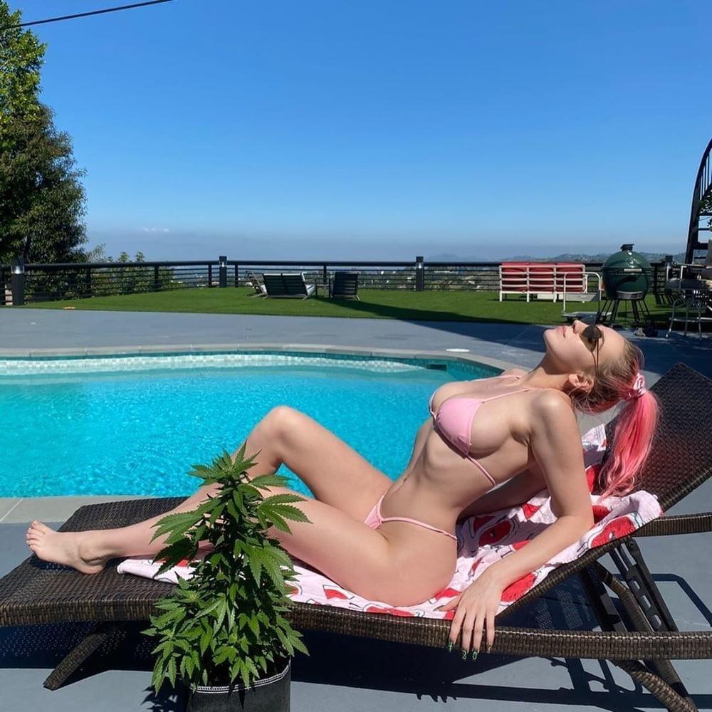 Kendra sunderland selfie nude-8431