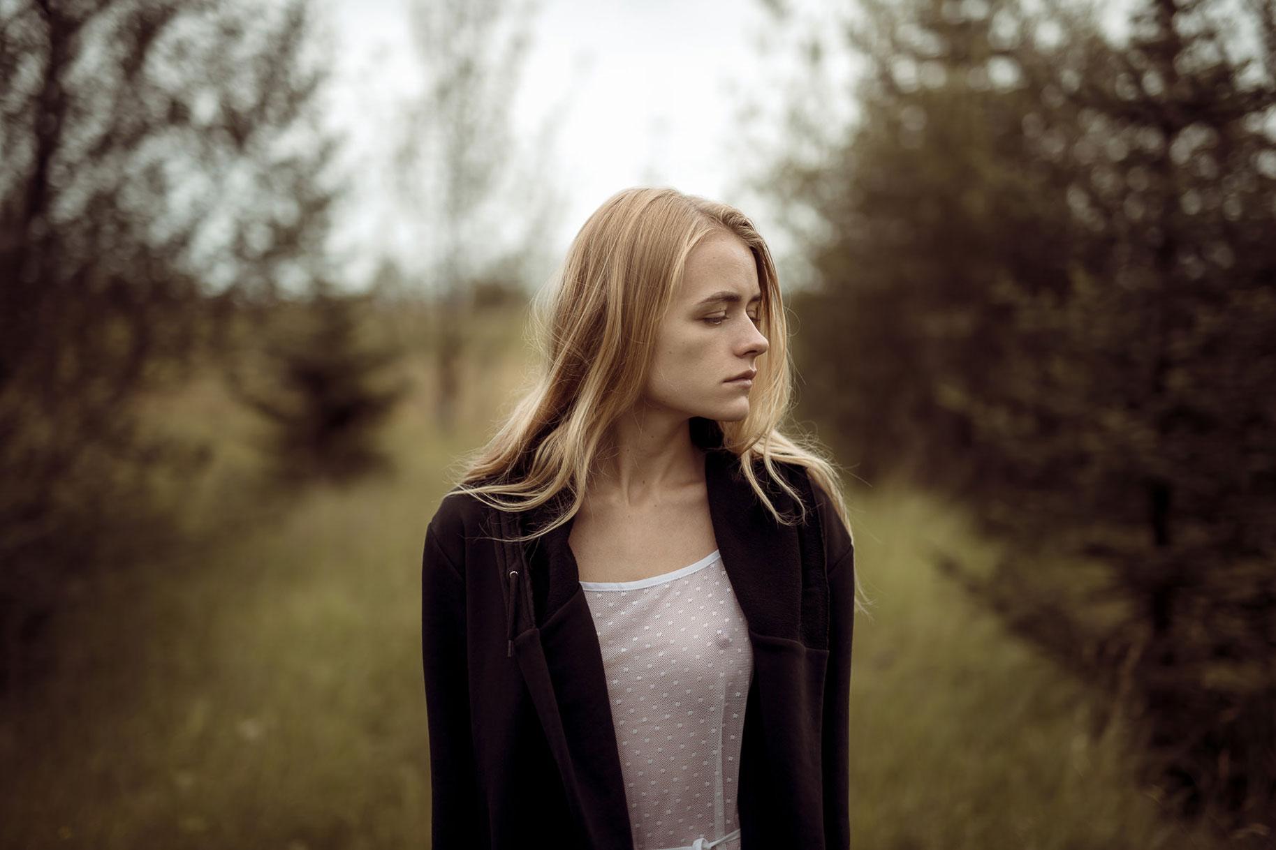Яна Нагорняк гуляет по лесам и полям Исландии / фото 08