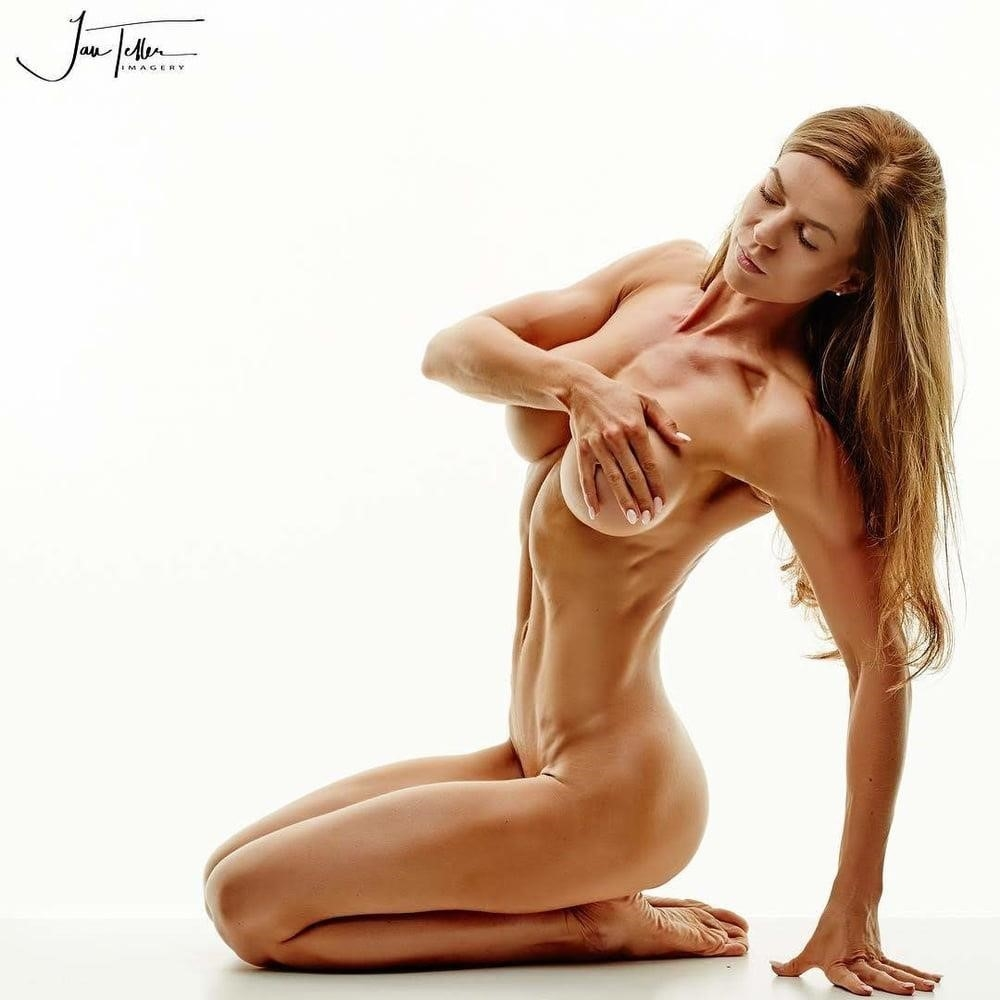Muscle female bdsm-3005