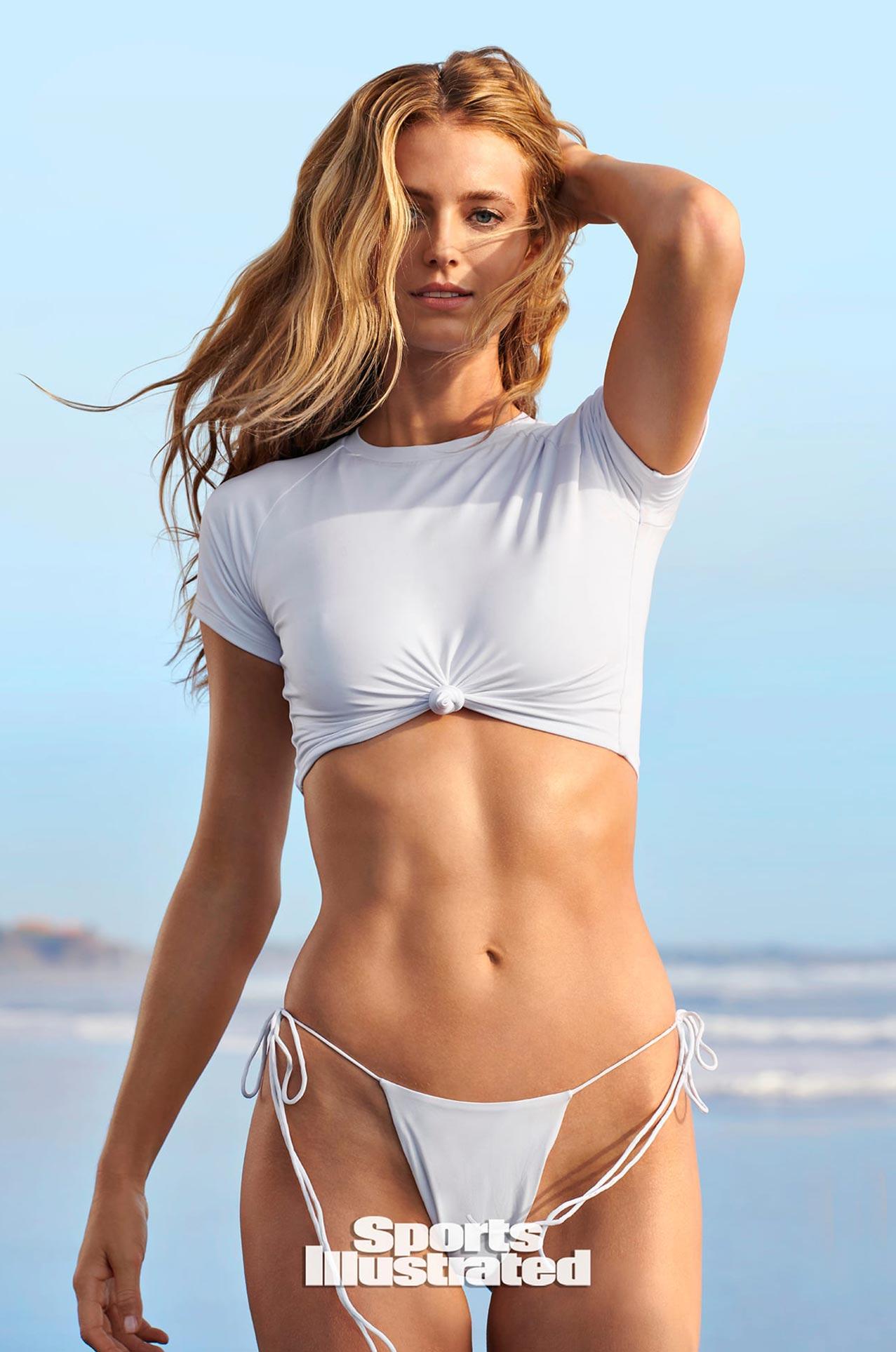 Кейт Бок в каталоге купальников Sports Illustrated Swimsuit 2020 / фото 03