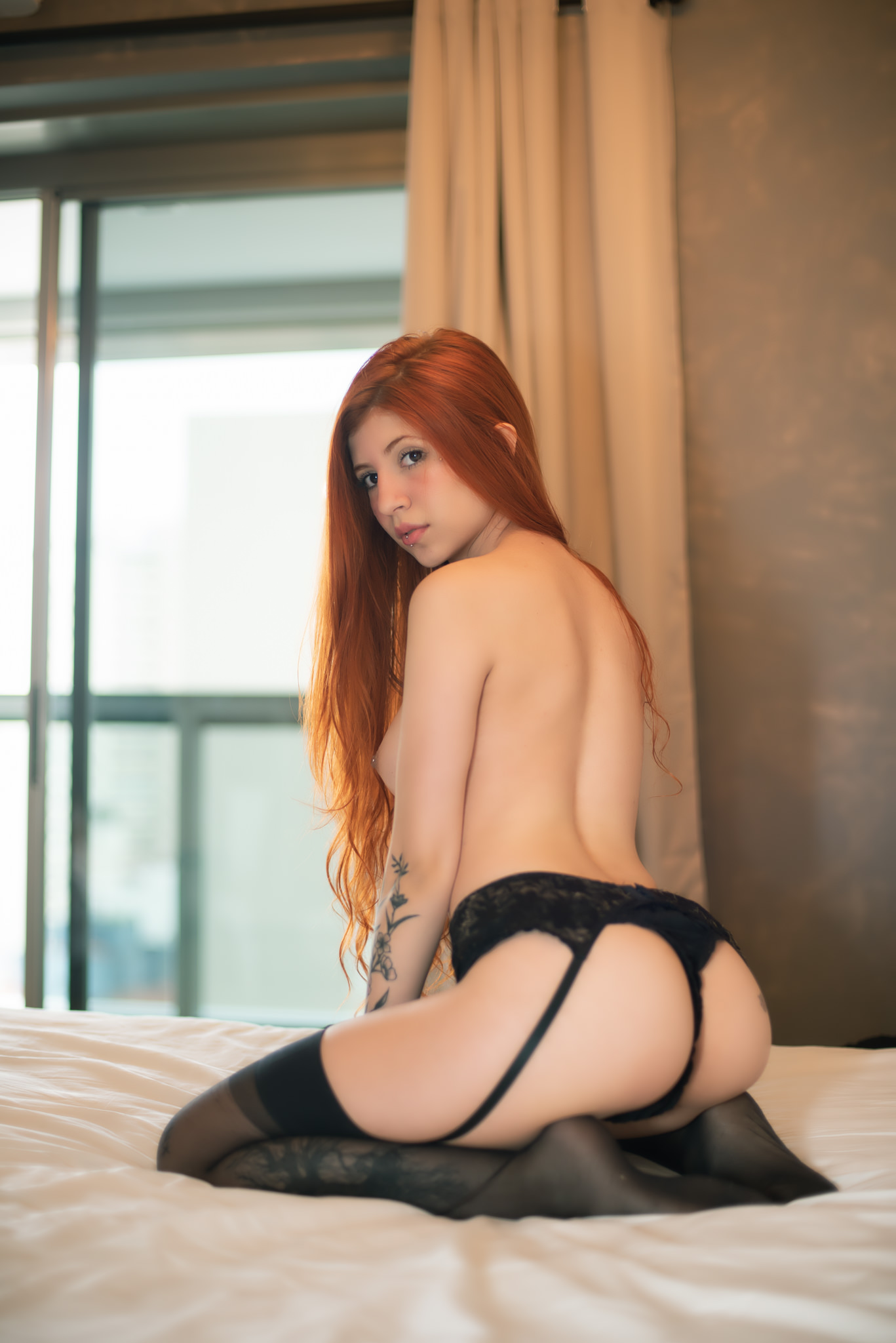 Aline Fox Nua 8