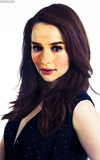 Emilia Clarke Q1BK7d5K_o