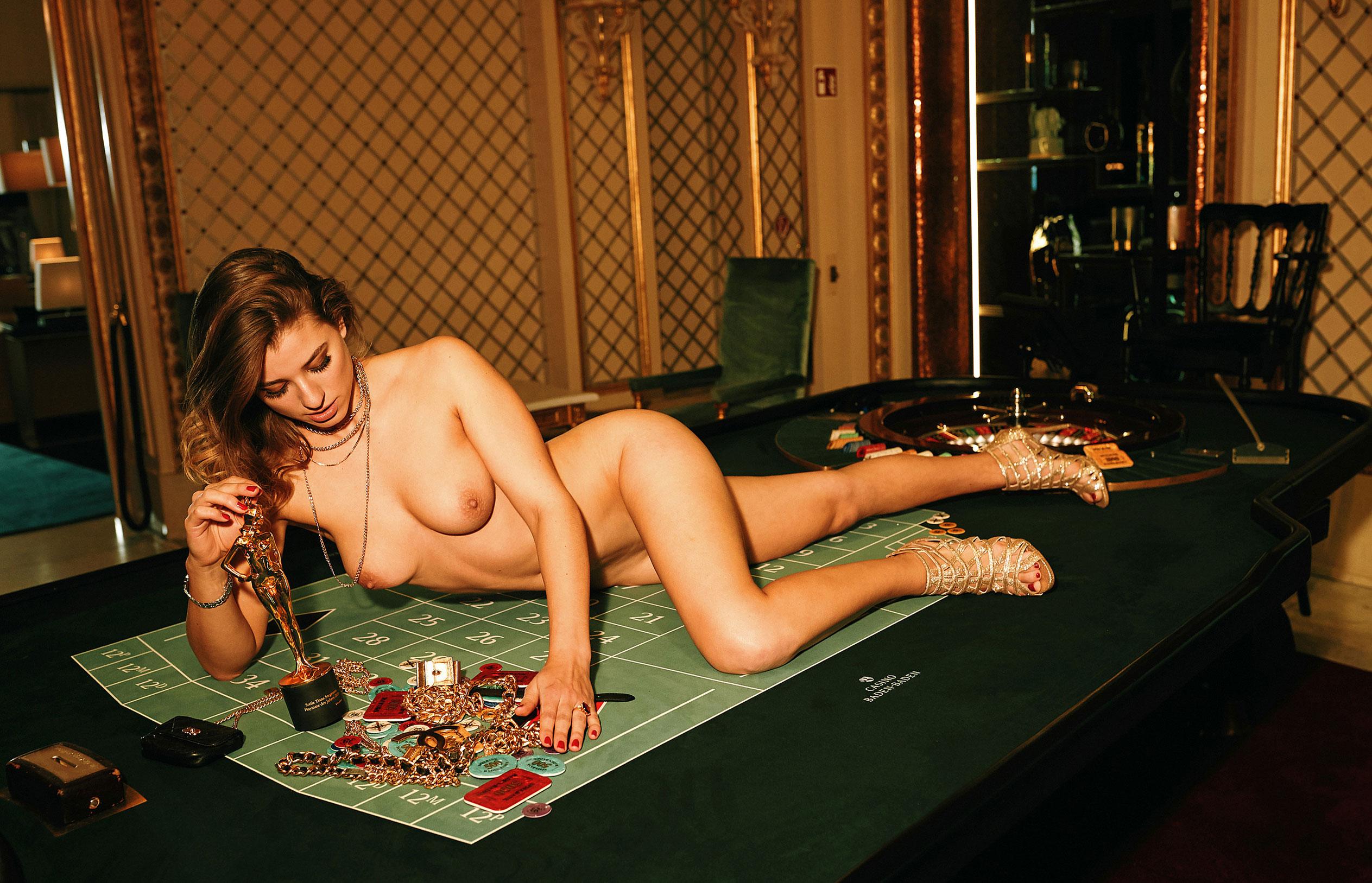 Девушка 2020-го года в Playboy Германия - Стелла Тиана Стегманн / фото 08