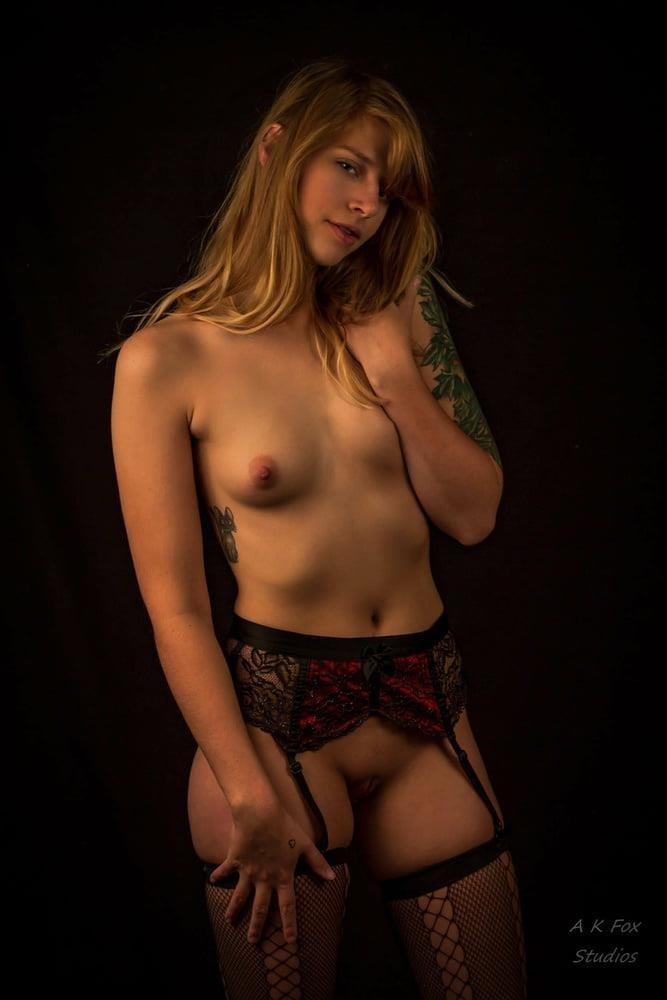 Nude black female models-2918