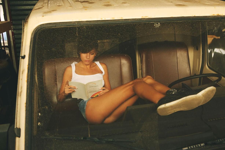 Дух 1980-х на фотографиях болгарского фотографа / Vania by Kiril Stanoev - The 80s Playground