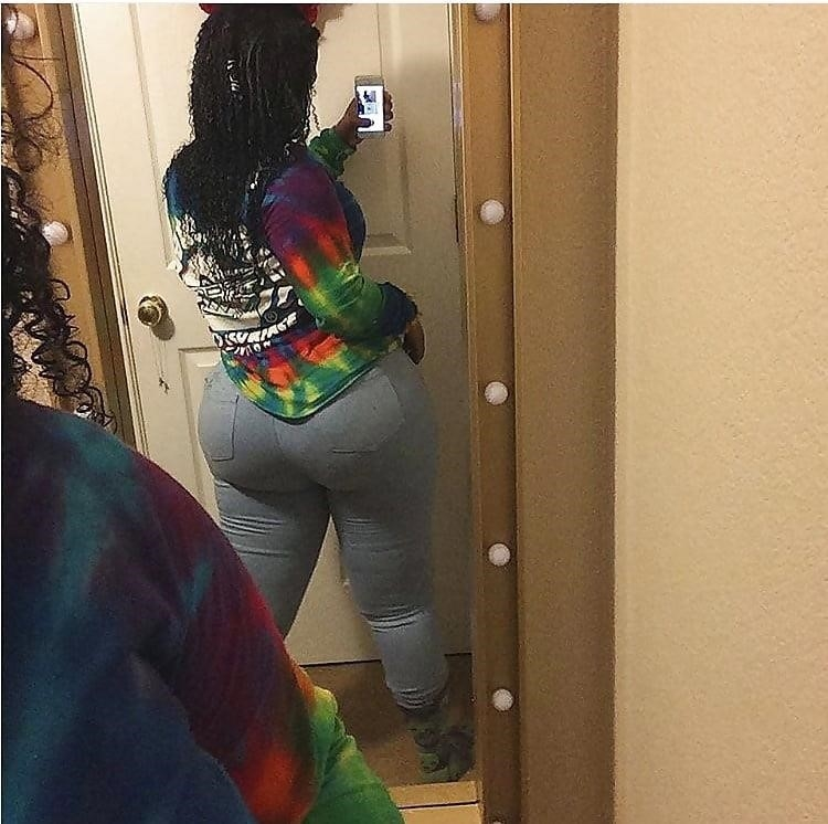 Thick black booty solo-1033