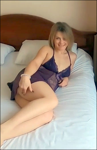 LittleMaryLollipop - Мачеха совратила пасынка пока муж на работе! / Stepmom Fucks With Her Son While Father Was Not at Home! (2019) CAMRip 720p |