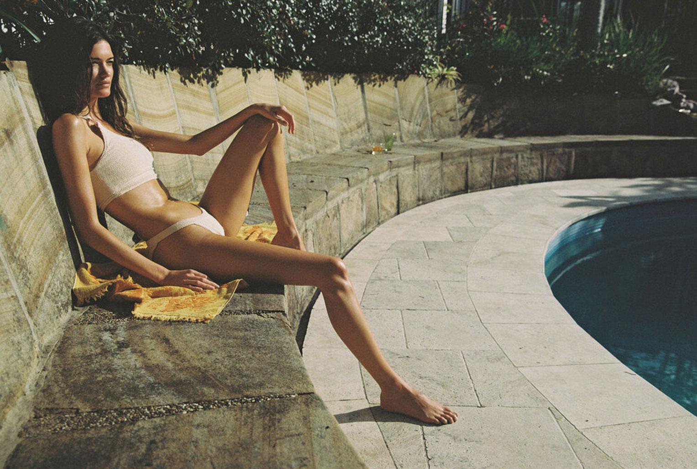 Софья Рейнал в купальниках и нижнем белье Love Stories Intimates, лето 2020 / фото 30