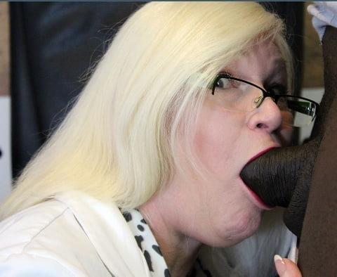 Blowjob granny pics-6967