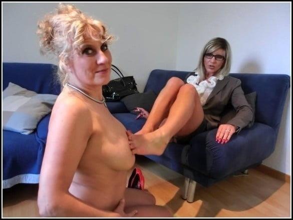 Woman foot slave-7374