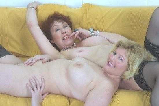 Nude mature lesbians-2207