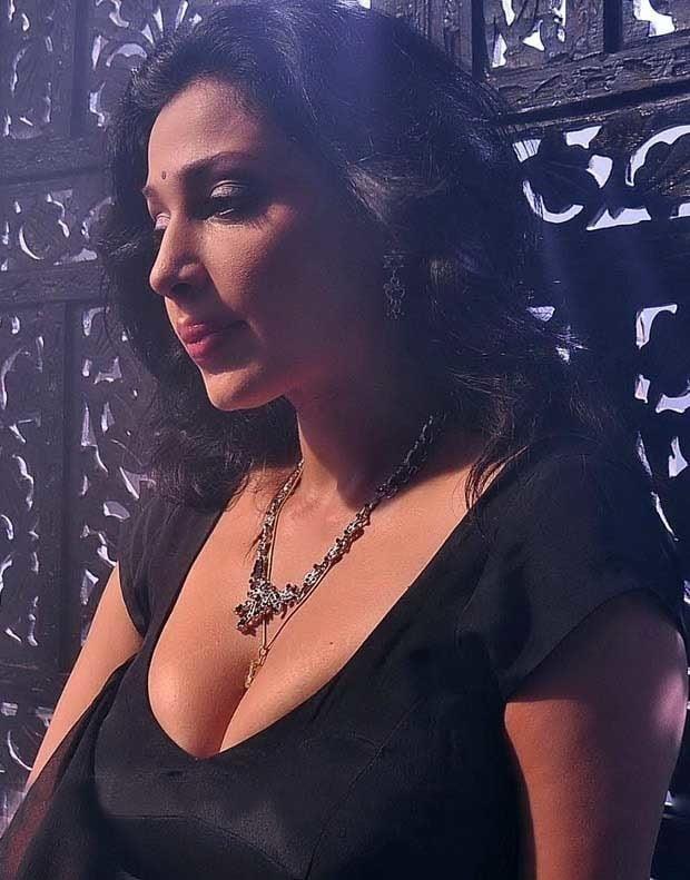 Asha saini hot kiss-9634