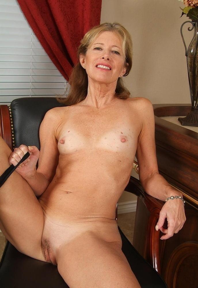 Beautiful naked women making love-7790