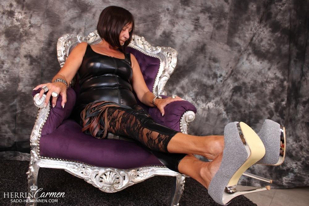 Strict foot mistress-9763