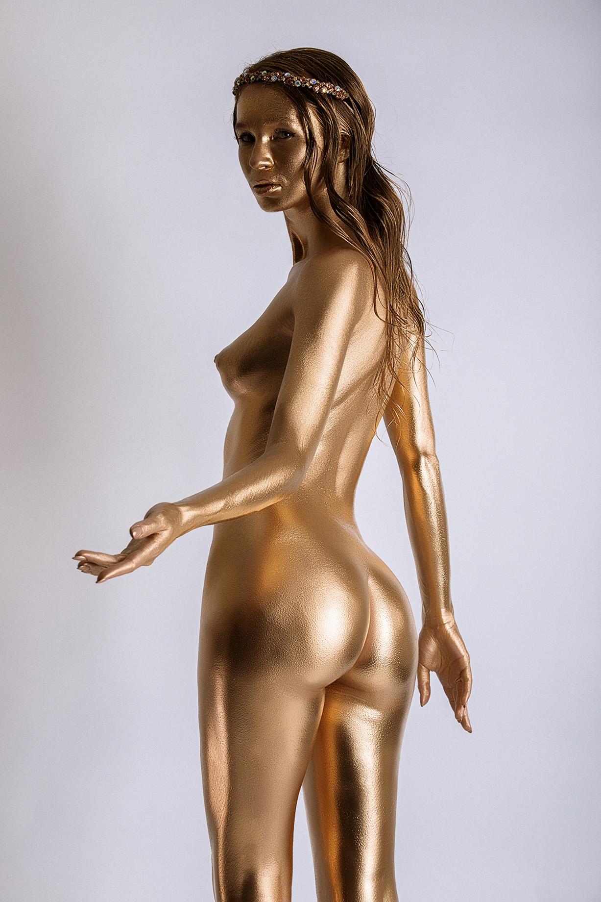 Gold and black / Золото и нефть / Ангелина Тихненко и Черная Луиза, фотограф Роман Третьяков