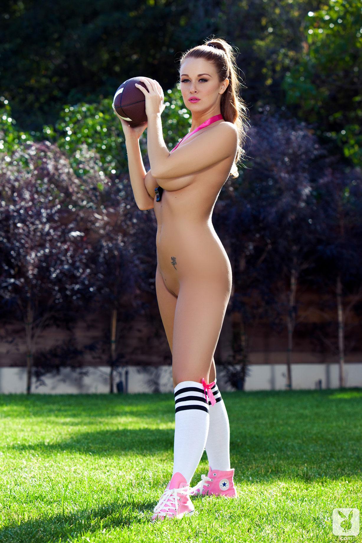 Учимся играть в американский футбол с голой Линой Деккер / Leanna Decker by Holly Randall / Calling the Shots