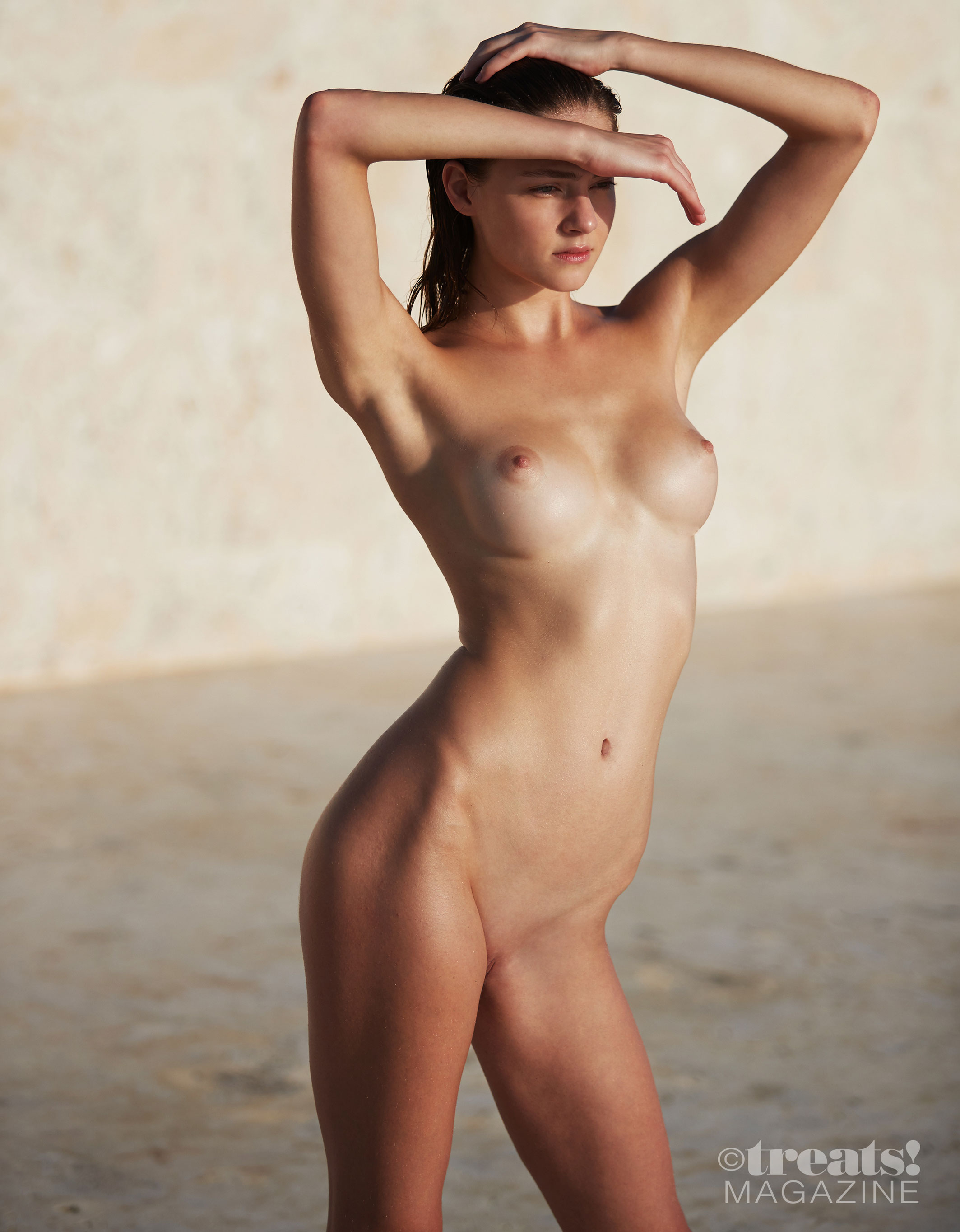 голая Вика Левина на страницах журнала Treats! / фото 12