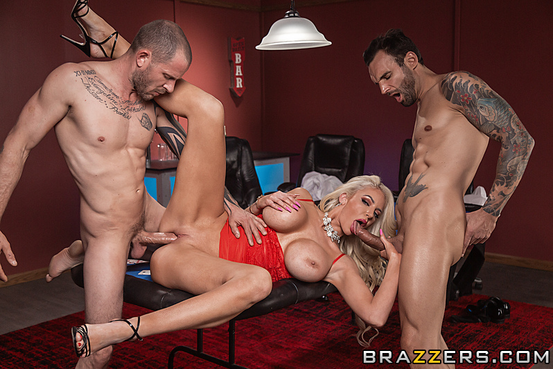 Nicolette Shea, Alex Legend, Scott Nails – Poke Her Face – Pornstars Like It Big – Brazzers