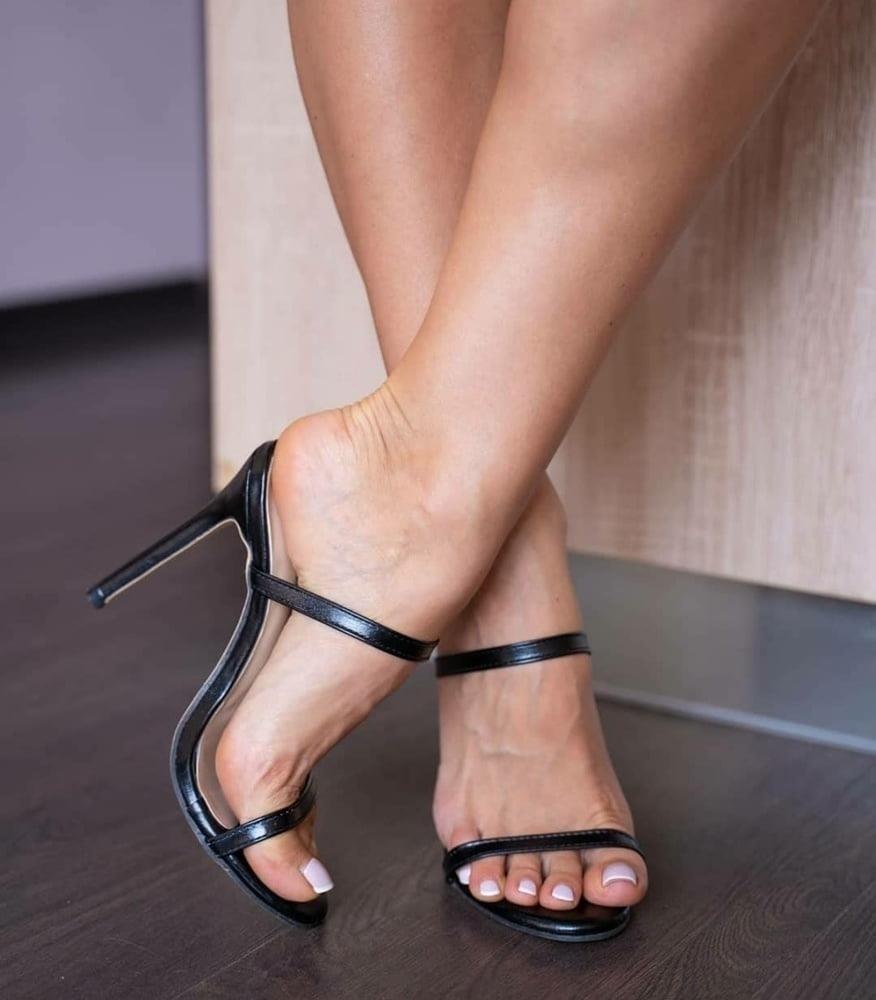 Hot feet domination-6174