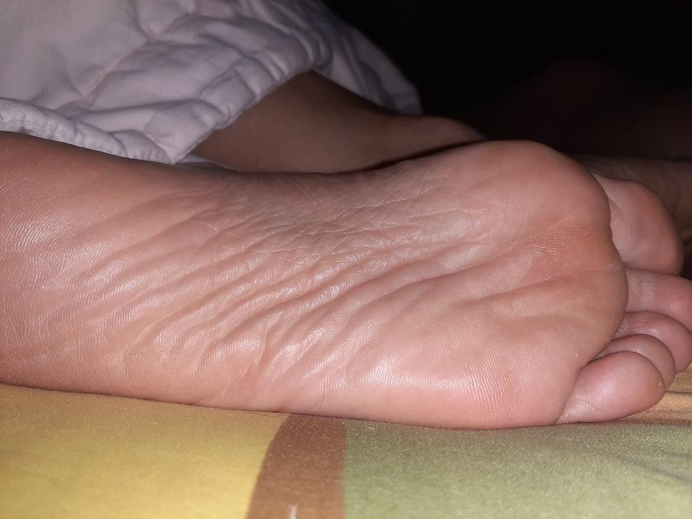 Milf bare soles-2615